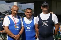 Josef Zbořil, Jan Pešat a Marin Milkov, medailisté z VK Perun Ostrava.
