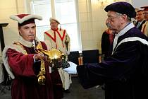 Slavnostní inaugurace rektora Jiřího Močkoře na Ostravské univerzitě.