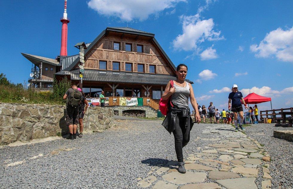 Pohorky sice na hory patří, ale Pavlína Visurová se lépe cítí v botách do města.
