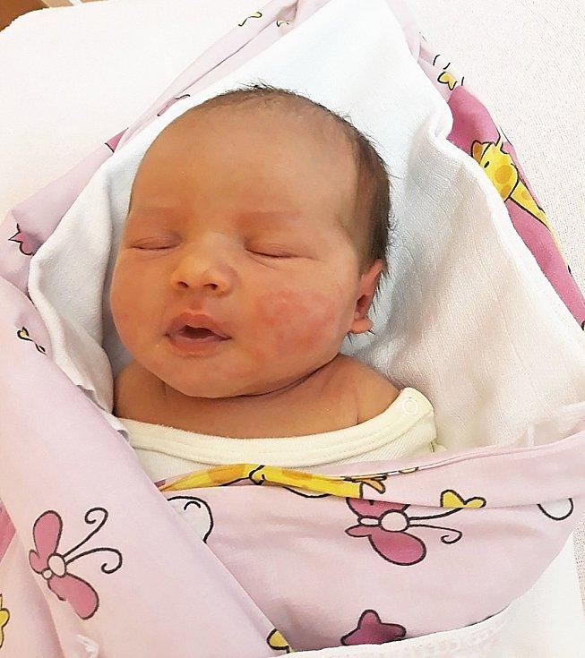 Rozálie Součková z Nového Jičína, narozena 5. dubna ve Valašském Meziříčí, míra 51 cm, váha 3880 g. Foto: Ivana Kristková