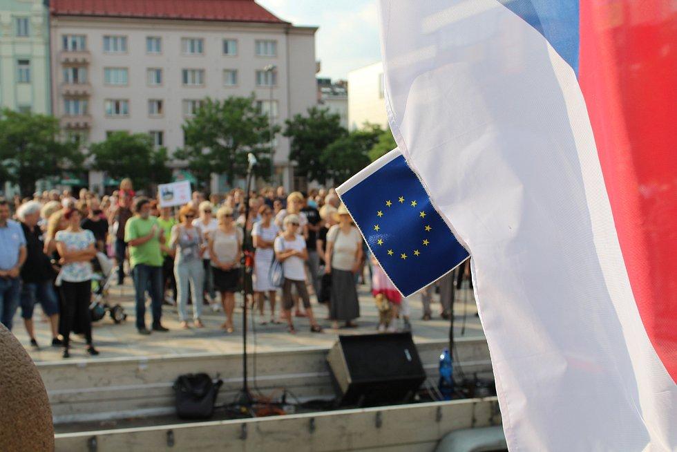 V Ostravě demonstrovalo odhadem 250 lidí.