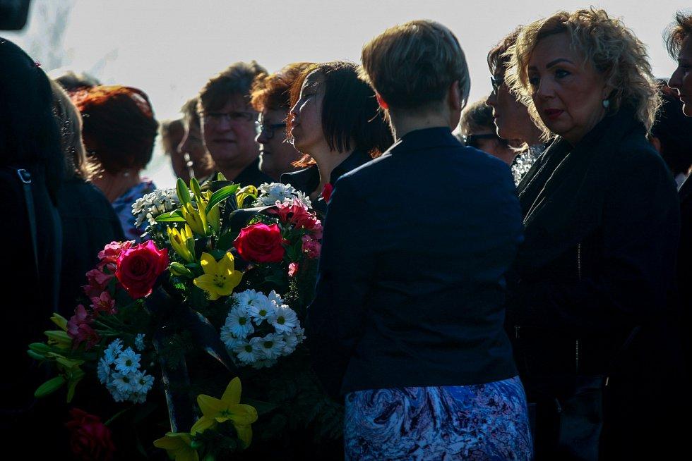 Pohřeb Věry Špinarové - ústřední hřbitov ve Slezské Ostravě