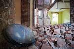 Ostravské ghetto Přednádraží. Snímek ze začátku roku 2014. Opuštěné domy v lukrativní ostravské čtvrti i nadále chátrají.