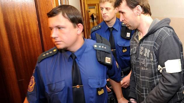 K patnácti rokům vězení byl ve čtvrtek odsouzen devětadvacetiletý Štefan Václavek z Ostravy, který v únoru letošního roku zabil jedenaosmdesátiletého důchodce ze Slezské Ostravě.