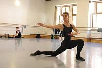 Ostravský tanečník Filip Staněk slaví úspěchy na mezinárodním poli, letos si už potřetí zatančil jednu z hlavních rolí na vánočním představení baletu The Snow Queen v amerického Los Angeles.