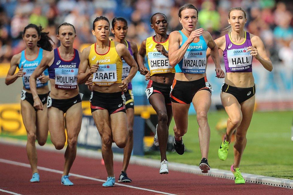 Simona Vrzalová při závodě na 1500m při Kontinentálním poháru 8. září v Ostravě.