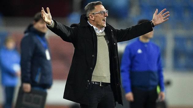 Trenér Baníku Ostrava Luboš Kozel by už zase rád bojoval o ligové body. Dobře si ale uvědomuje, že zdraví je to nejdůležitější.