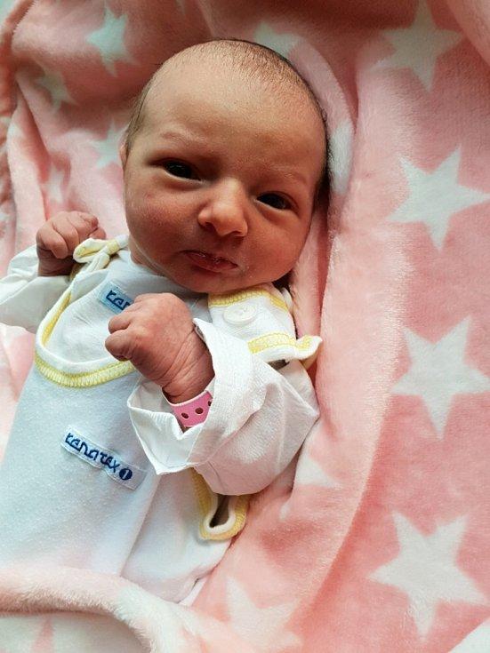 Valerie Švanová, Bolatice, narozena 3. června 2021 v Opavě, míra 48 cm, váha 3000 g.