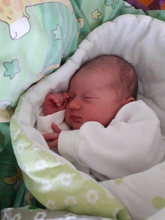 Vivien Vašutová z Havířova, narozena 14. dubna 2021 v Havířově, váha 3330 g, míra 49 cm. Foto: Michaela Blahová