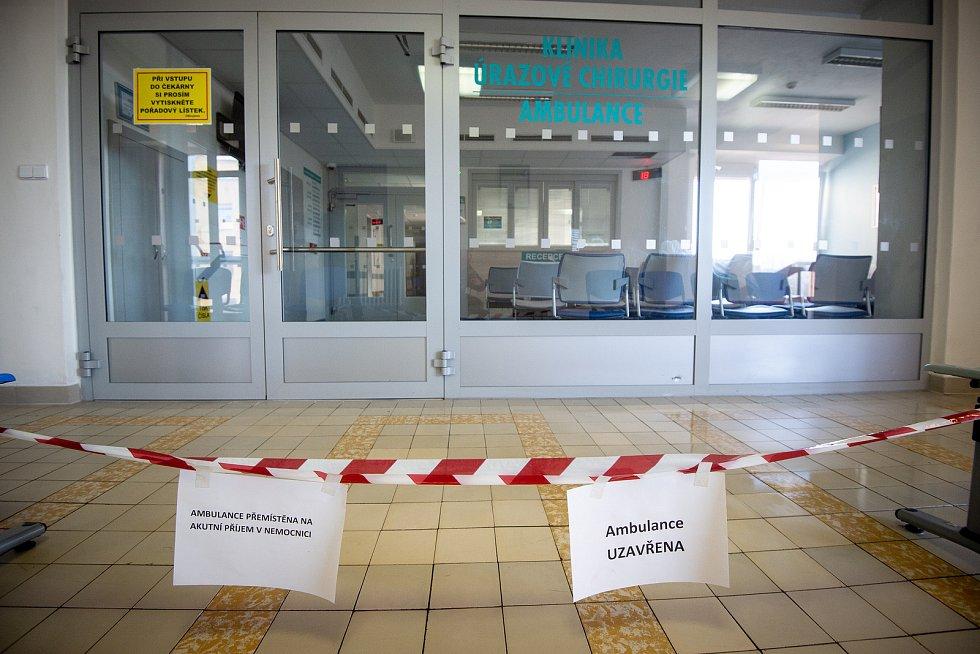 Den druhý po střelbě ve Fakultní nemocnici Ostrava (FNO), 11. prosince 2019 v Ostravě. Na snímku úrazová chirurgická ambulance kde se 10. prosince 2019 střílelo.