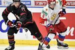 Mistrovství světa hokejistů do 20 let, finále: Rusko - Kanada, 5. ledna 2020 v Ostravě. Na snímku (zleva) Jared McIsaac a Ivan Morozov.