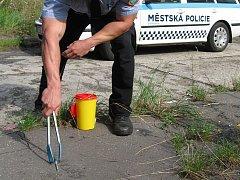 Jehly a stříkačky. Do průzkumu Dragon se zapojila i ostravská městská policie, která poskytla informace o sběru jehel a injekčních stříkaček.