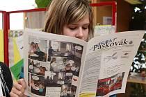 Součástí páteční výstavy školních časopisů ve Středisku volného času Ostrčilova v Ostravě byla také beseda s novináři.