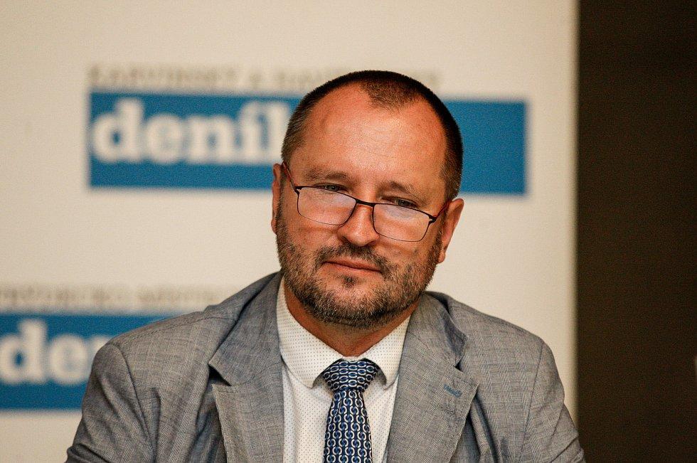 Jakub Unucka na Setkání s hejtmanem Ivo Vondrákem v Ostravě, v multifunkční hale Gong.