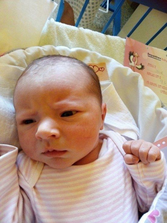 Julie Šteflová, Krnov, narozena 9. června 2021 v Krnově, míra 45 cm, váha 2920 g.