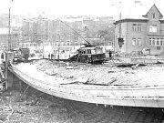 Takto vypadal ostravský most Pionýrů po výbuchu plynu v listopadu 1976. Podobný záběr se objevil v rakouské televizi.