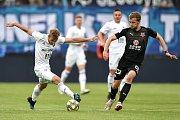 Finále fotbalového poháru MOL Cupu: FC Baník Ostrava - SK Slavia Praha, 22. května 2019 v Olomouci. Na snímku (zleva) Kuzmanovič Nemanja a Frydrych Michal.
