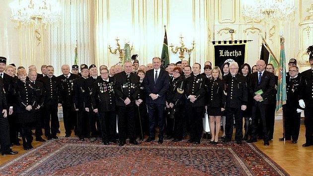 Přijetí slovenských a českých krojovaných horníků v Bratislavě u prezidenta Andreje Kisky, na němž nechyběli zástupci z našeho regionu.