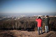 K Novému roku patří neodmyslitelně výstup na haldu Ema v Ostravě.