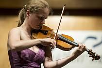 JULIA FISCHER, skvělá houslistka, jejíž koncert patřil k vrcholům letošního Janáčkova máje.