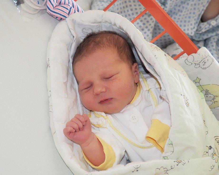 Štěpán Výtisk se narodil 15. 9. 2020, vážil 3600 g, Bydliště Dolní Lhota.