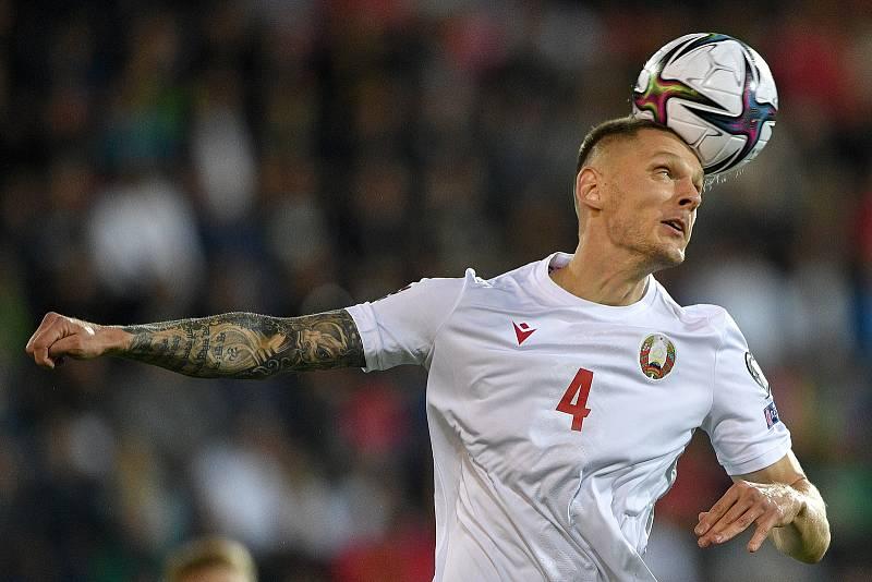 Utkání skupiny E kvalifikace mistrovství světa ve fotbale: Česko - Bělorusko, 2. září 2021 V Ostravě. Artem Rakhmanov z Běloruska.