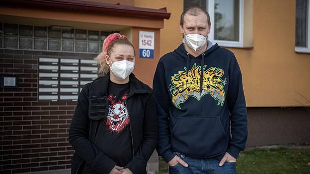 Paní Světlana z Hrabůvky na snímku s bratrem Michalem, 26. únor 2021.