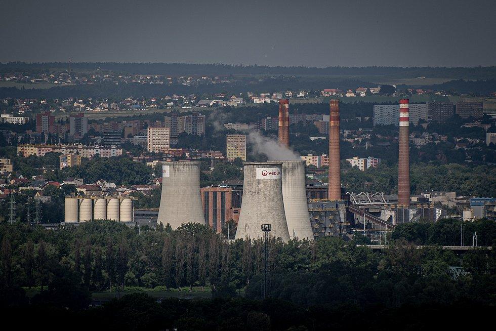Odborná firma rozebere 84 metrů vysoký plynojem MAN který stojí na ulici 1. máje, snímek z 14. června 2021. Plynojem je už přes 10 let nevyužitý. Třebovická elektrárna.