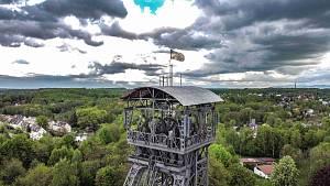 Těžní věž Dolu Michal zachycená z dronu.
