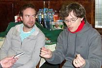 Vlevo Milan Cais alias Bublajs. V brýlích Marek Huňát alias Mardoša.