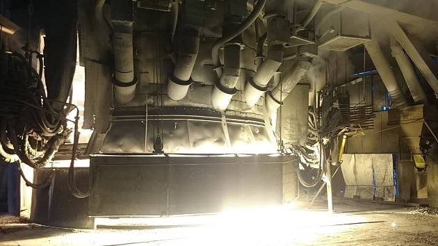 Elektrickou obloukovou pec ve společnosti ve slovenském Istebném opraví za zhruba 100 milionů korun strojírenská skupina Vítkovice Machinery Group.