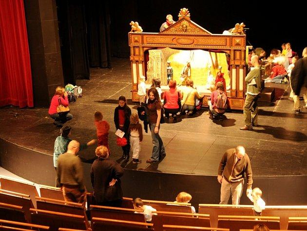 Den otevřených dveří v Divadle loutek v Ostravě