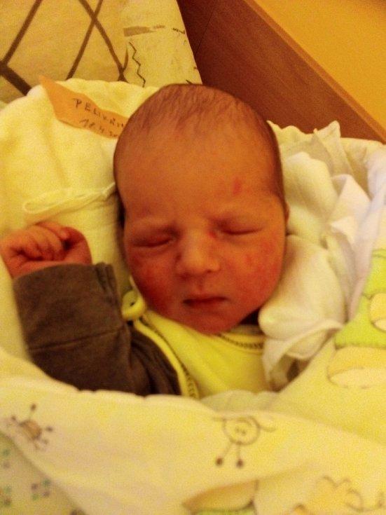 Matouš Pelikán, Světlá Hora narozen 18. dubna 2021 v Krnově míra 48 cm, váha 2950 g. Foto: Pavla Hrabovská