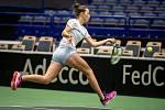 Markéta Vondroušová na tréninku českých tenistek před utkáním 1. kola Světové skupiny Fed Cupu proti Rumunsku, 6. února 2019 v Ostravě.