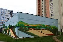 Nová graffiti fasáda výměníkové stanice pro paneláky na sídlišti v Ostravě-Zábřehu. Listopad 2020.