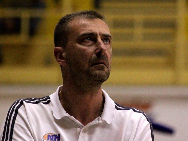 Trenér ostravských basketbalistů Dušan Medvecký.