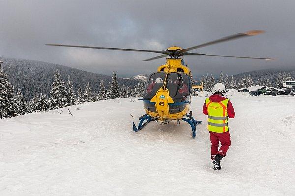 Letečtí záchranáři při zásahu vJeseníkách.
