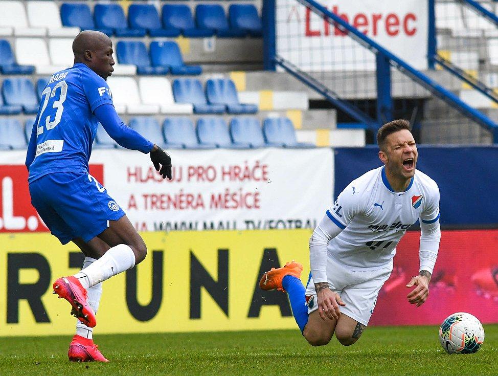 Fotbalisté Baníku Ostrava (v bílém) uhráli v sobotním utkání 25. kola FORTUNA:LIGY cennou bezbrankovou remízu v Liberci.