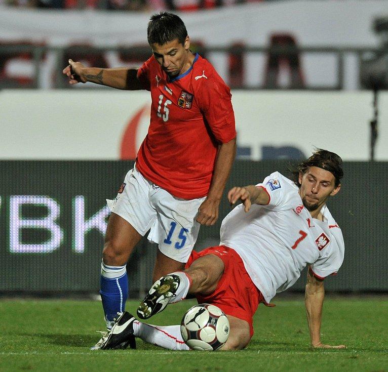 Milan Baroš během zápasu s Polskem. Kvalifikace na MS 2010.
