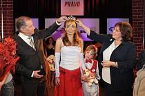 Vítězkou moravskoslezského finále Missis 2009 se stala Radana Vozňáková se synem Danielem z Rychvaldu. Vítězku korunovali Antonín Zeman, generální ředitel společnosti Stavební řemesla - ZEMAN, s. r. o. , a Anna Čurdová, poslankyně Parlamentu ČR.