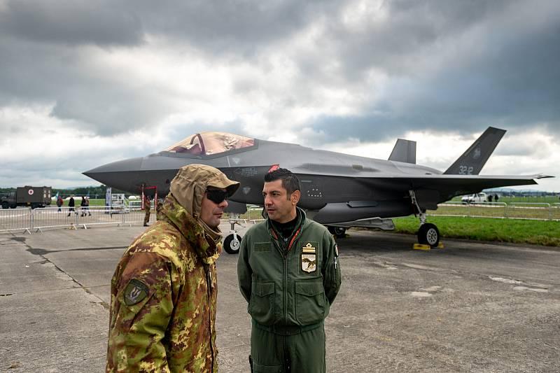 Na letišti v Mošnově na Novojičínsku pokračovaly 19. září 2021 dvoudenní Dny NATO a Dny Vzdušných sil Armády ČR, které jsou největší bezpečnostní přehlídkou v Evropě.