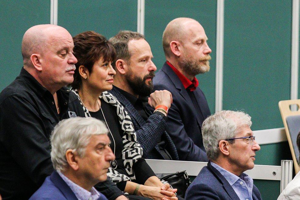 Utkání kvalifikace Fedcupového poháru Česká republika - Rumunsko, dvouhra, 10. února 2019 v Ostravě. Na snímku (uprostřed) Tomáš Macura.