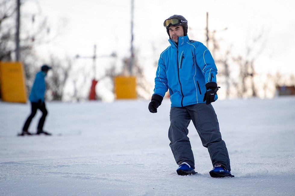 Sled Dogs skates (sněžné brusle) ve Skalka family park, 2. února 2020 v Ostravě.