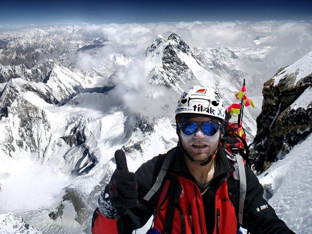 Úspěšný výstup na druhou nejvyšší horu světa K2 uskutečnil Libor Uher 20. července 2007 na expedici vedené Leopoldem Sulovským.