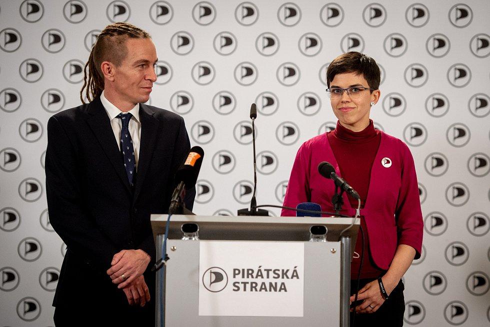 Celostátní fórum České pirátské strany v Dolní Oblasti Vítkovic, 11. ledna 2020 v Ostravě. Na snímku Ivan Bartoš a Olga Richterova.