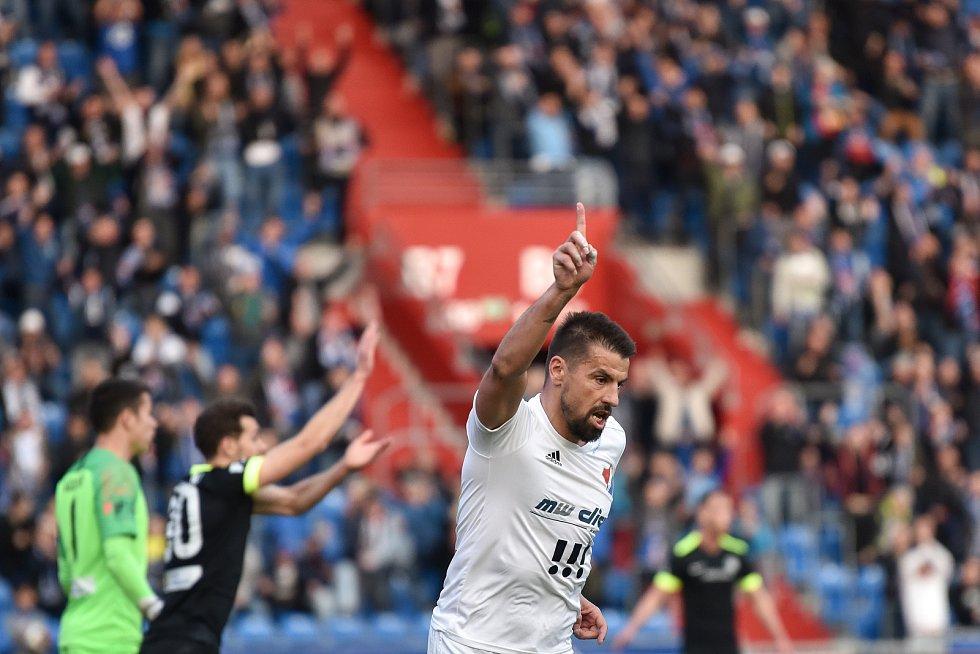 Čtvrtfinále fotbalového poháru MOL Cupu: FC Baník Ostrava - FC Slovan Liberec, 3. dubna 2019 v Ostravě. Na snímku Milan Baroš se raduje.