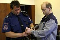 Romanu Orávikovi, který zabil svého spolubydlícího, hrozí až šestnáct let vězení.