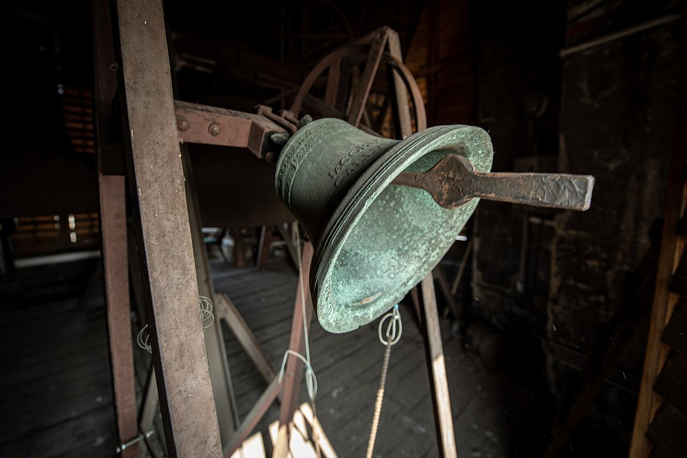 Zvon v Katedrále Božského Spasitele, březen 2021 v Ostravě.