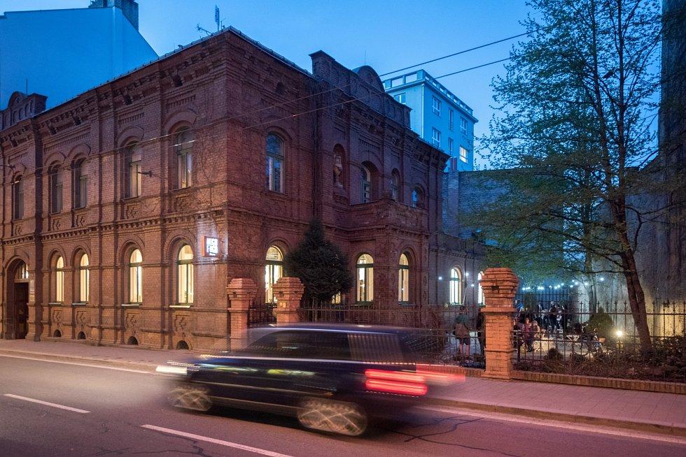 Hogo Fogo bistro v úterý zahajuje nový provoz v historickém domu na Sokolské ulici.