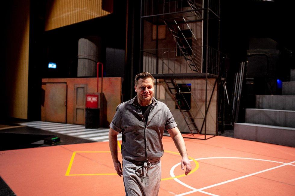 Generální zkouška světového muzikálu West Side Story v Divadle Jiřího Myrona 5. února 2020 v Ostravě. Herec Tomáš Savka.